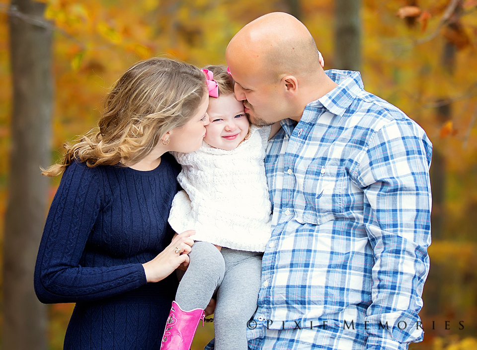 Fall Family Photos in the Woods_Web